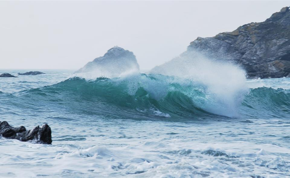 Tidal waves and offshore monitoring