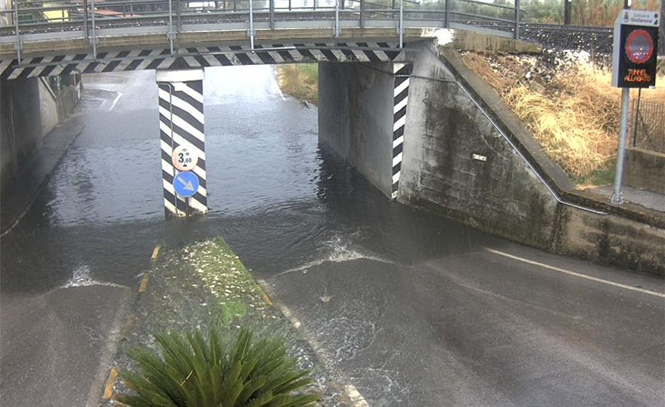 Alerts for flooded underpasses