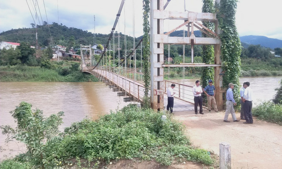 Vietnam: real-time river discharge measurements and new monitoring stations to prevent and manage floods